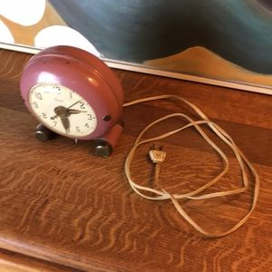 Vintage Accents - Mid Century Electric Clock